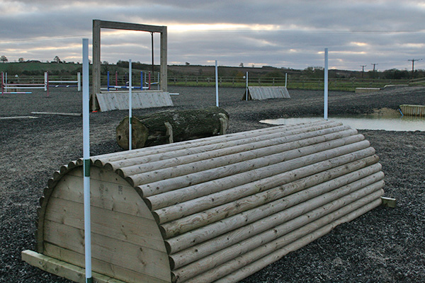 A range of portable XC fences